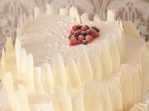 ハートホワイトケーキ