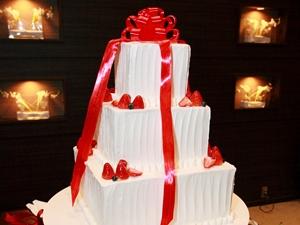 赤リボンケーキ